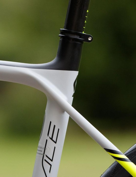 The seatstays are kept thin and connect at the sides of the seat tube