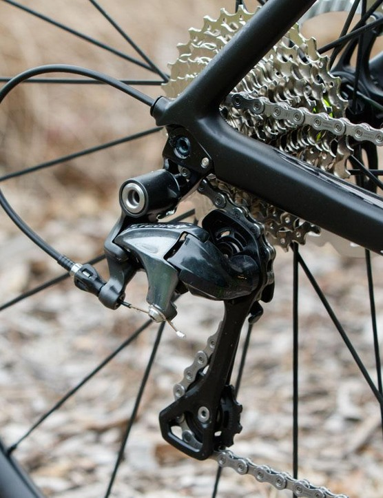 A long-cage version of the Shimano 6800 rear derailleur is given to freely clear the massive 11-32T cassette