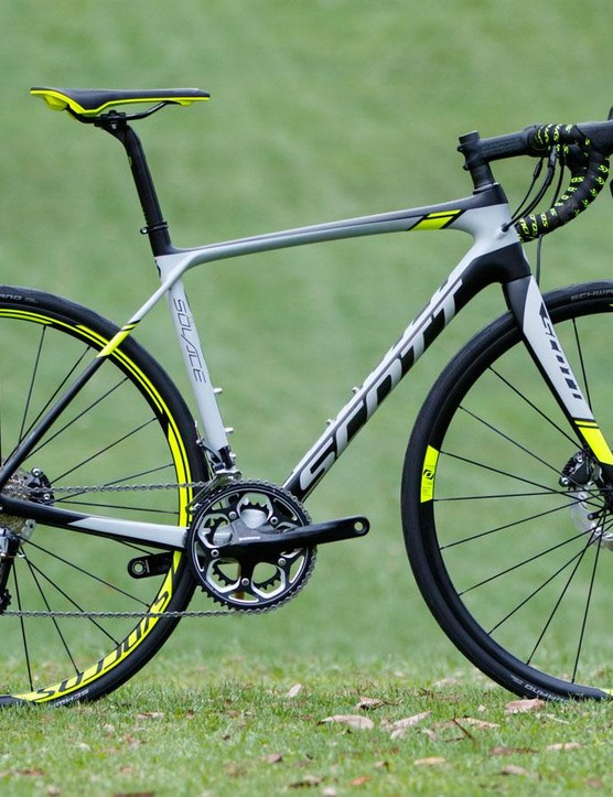 While it may look like a cyclocross bike from a distance, the Solace Disc is a road bike in every aspect. Even with the wider rubber and disc brakes, dont expect to take it places other road bikes can't go