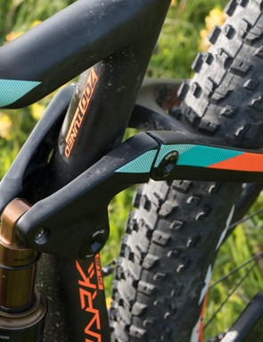"The 2.8"" Maxxis Rekon tyres are less impressive when it comes to the sloppy, muddy ruts that make up a good proportion of natural UK trails in winter, but they're simply astounding on almost every other surface, especially in the dry"