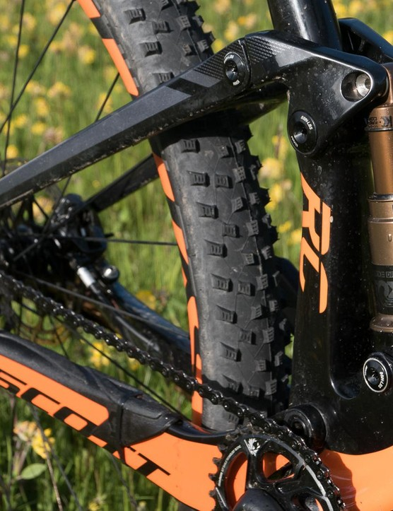 The new suspension design gives out 100 or 120mm of travel depending on the model