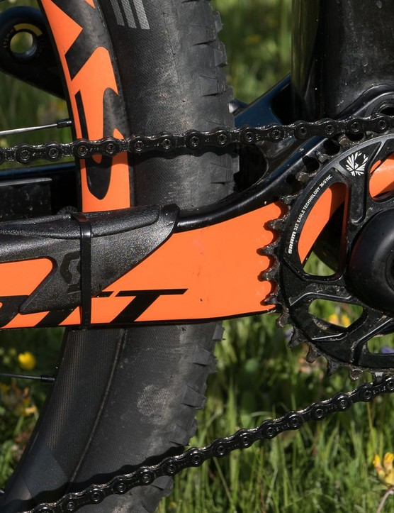 This top end RC bike is 1x only, allowing an even stiffer and lighter rear end