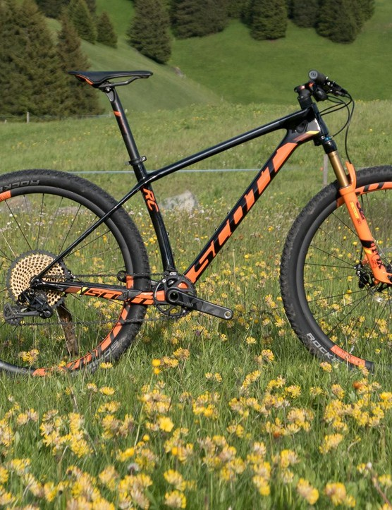 The new Scott Scale weighs just 8.85kg for this 27.5 RC model
