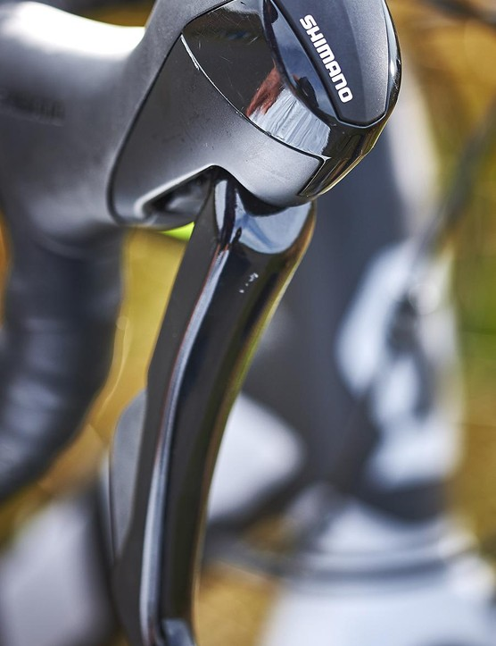 The chunky RS505 brake levers aren't pretty but give you plenty to grab when you need to