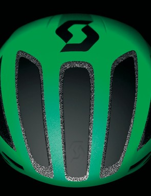 Plugs in the front of the Cadence Plus reduce ventilation but increase speed