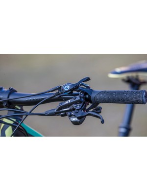 While remote controls for saddles and suspension are useful, it does leave the bars crowded