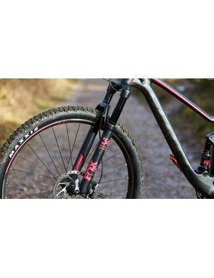 120mm of front travel comes in the form of FOX 34 Float Performance Air forks