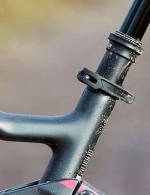 It's quite unusual to have a quick-release seat clamb with a dropper seatpost