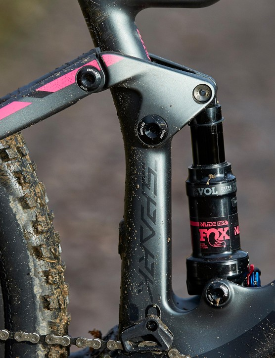 The FOX NUDE EVOL Trunnion comes with a Contessa tune to suit lighter riders