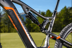 The Bosch battery can be charged on or off the bike