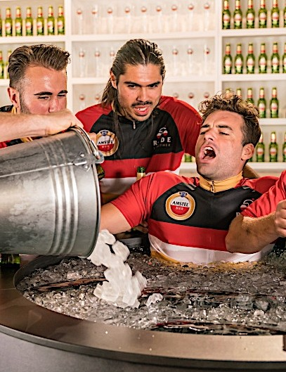 Ice baths became so popular among athletes that Amstel went so far as to open a 'Cold Tub Pub'