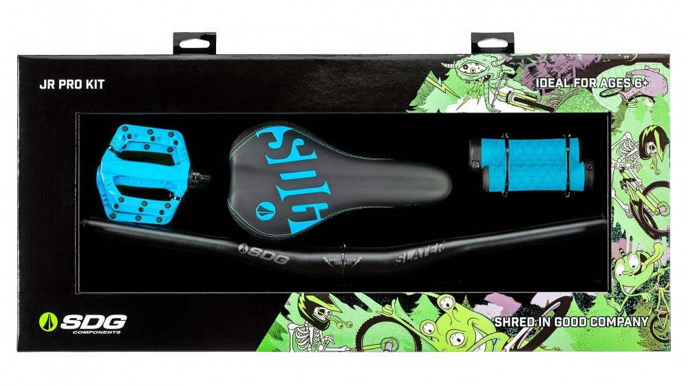 The SDG Jr PRO KIT has handlebars, saddle, pedals and grips