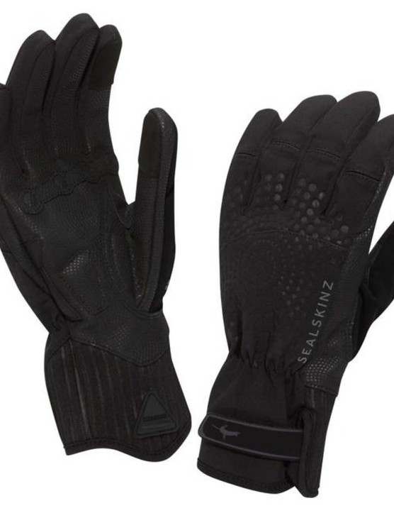 Cold weather? No problem! Insulated water and wind resistant gloves from Sealskinz
