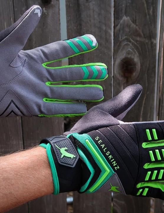 SealSkinz' Dragon Eye Trail gloves