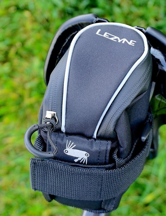 There's a somewhat easy access external tool pouch for a small multi-tool, which is helpful on short demand