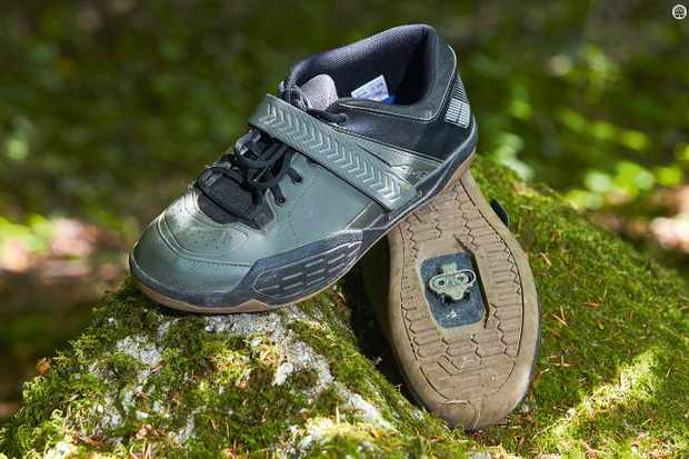 806bb943e58 Shimano's AM5 MTB shoes are great for gravity fiends on a budget