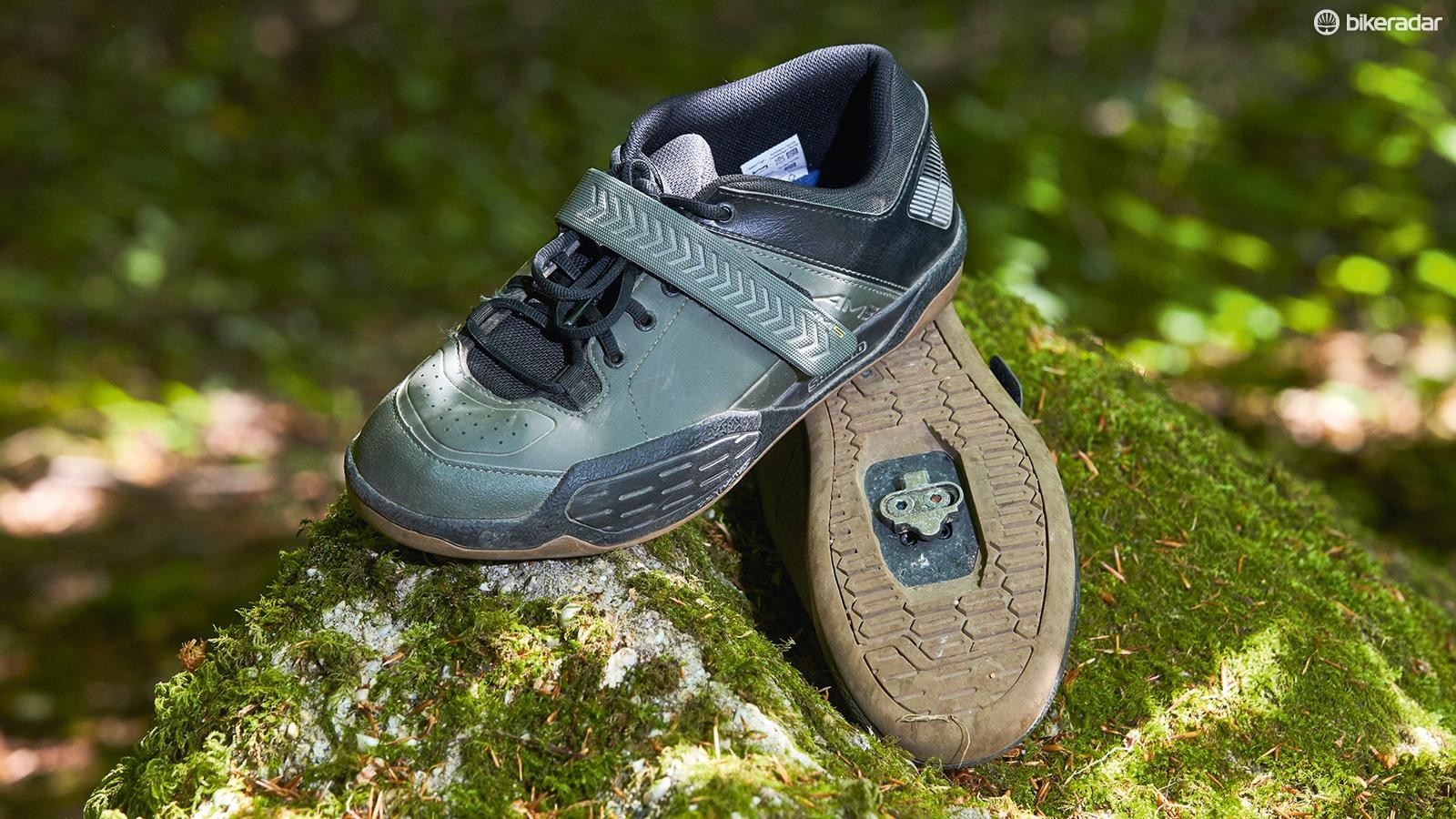 Shimano's AM5 MTB shoes are great for gravity fiends on a budget