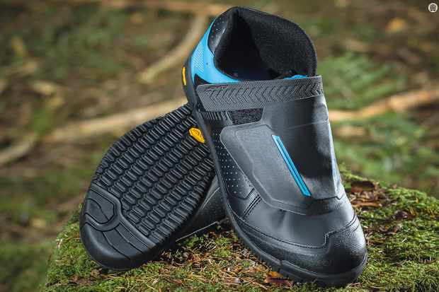35a790b51ff Shimano's AM7 MTB shoes are mostly superb, but aren't the grippiest  especially in