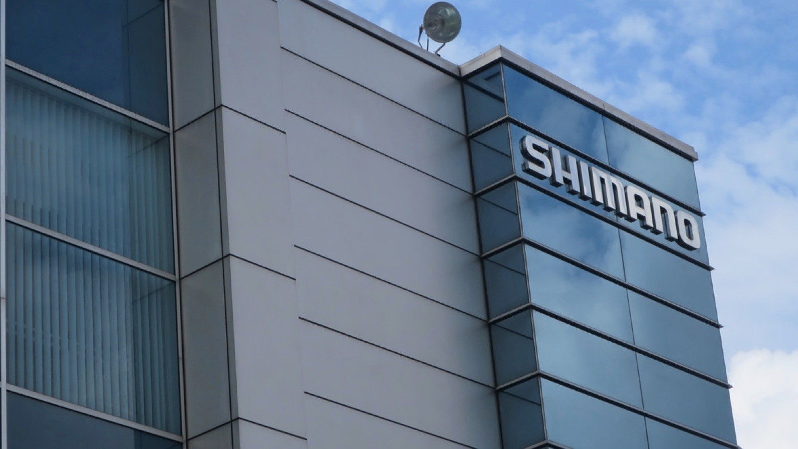 Wireless shifting, 105-level Di2, 12speed shifting… All these things and more are being explored within this building