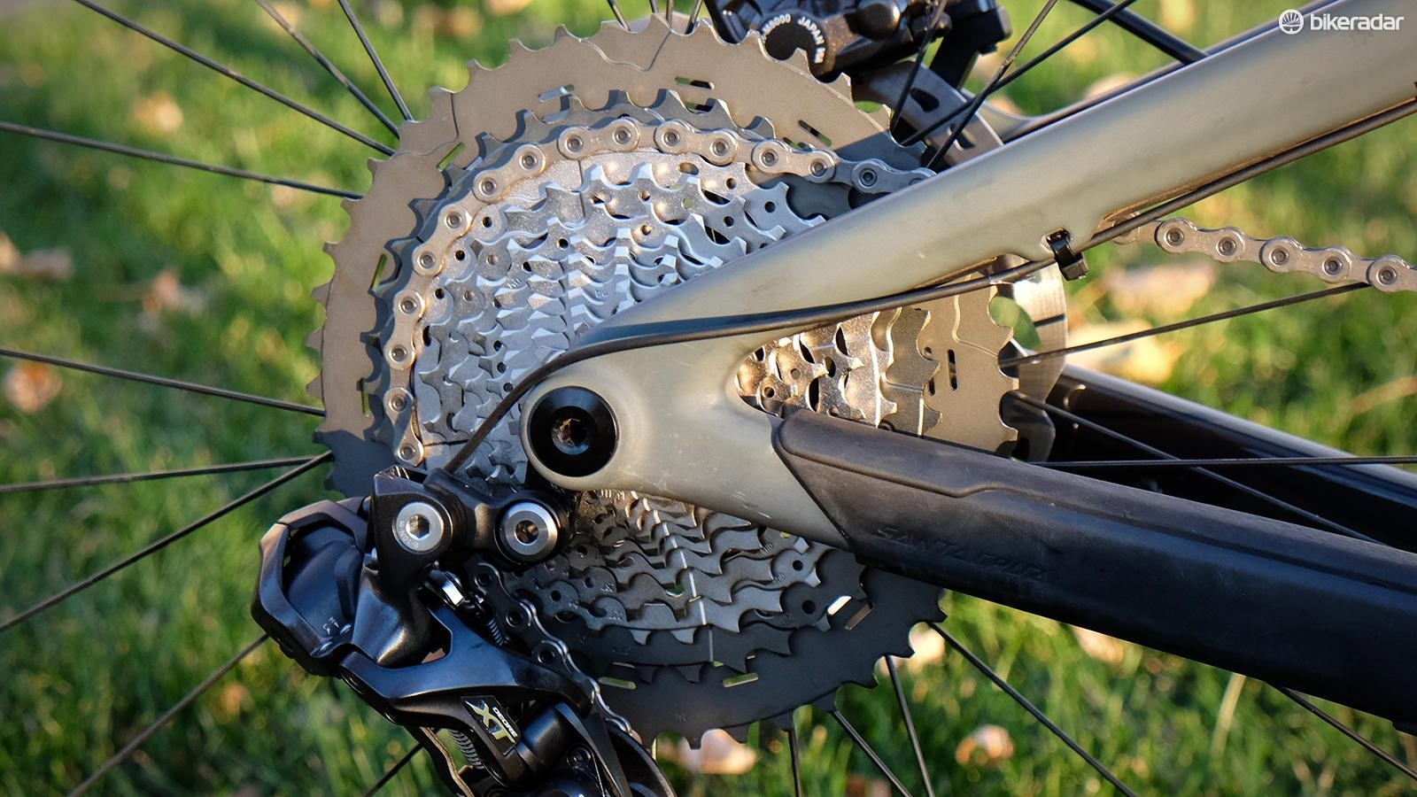 The 11-46t cassette has plenty of range, but the jump from 37-46t is quite large