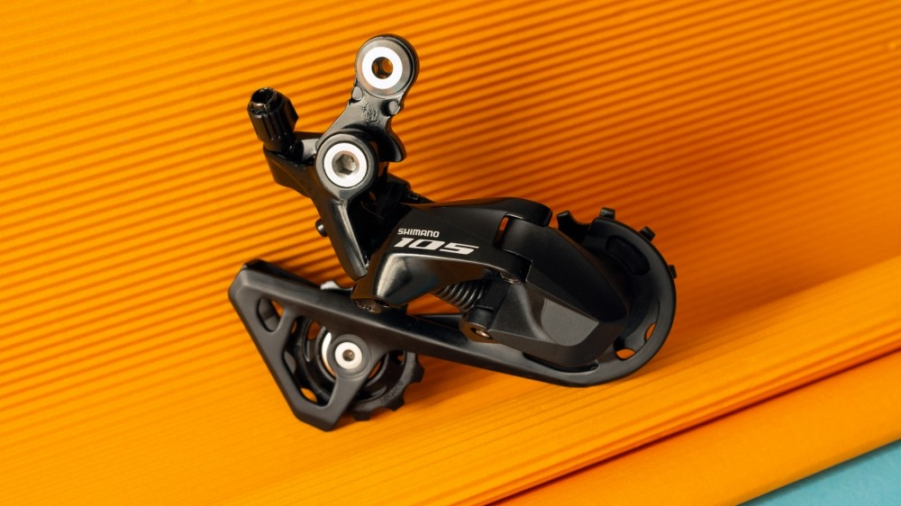 Shimano 105 R7000 looks great and is sure to perform well too
