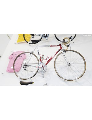 The bike and jersey combination of Andy Hampsten from his Giro victory. It may say Huffy on the down tube, but it's the Serotta logo on the chainstay that shows the bikes true origin