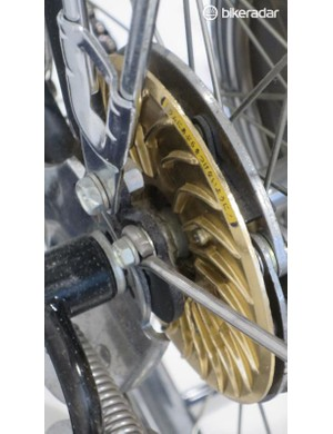 Even the brakes ooze space-age cool…
