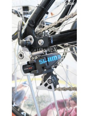 As the name suggests, compressed air lines from shifters to derailleurs take care of shifting