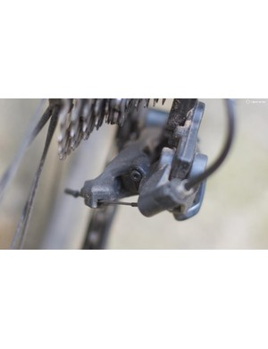 Hex heads are now used on the rear derailleur