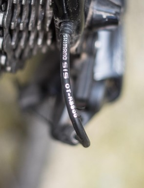 The bike was outfitted with the proper, as Shimano intended it, extra stiff OS-RS900 outer