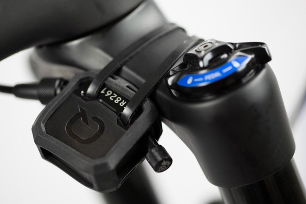 The ShockWiz is a gauge that connects to your suspension and provides data for personalised shock tuning recommendations