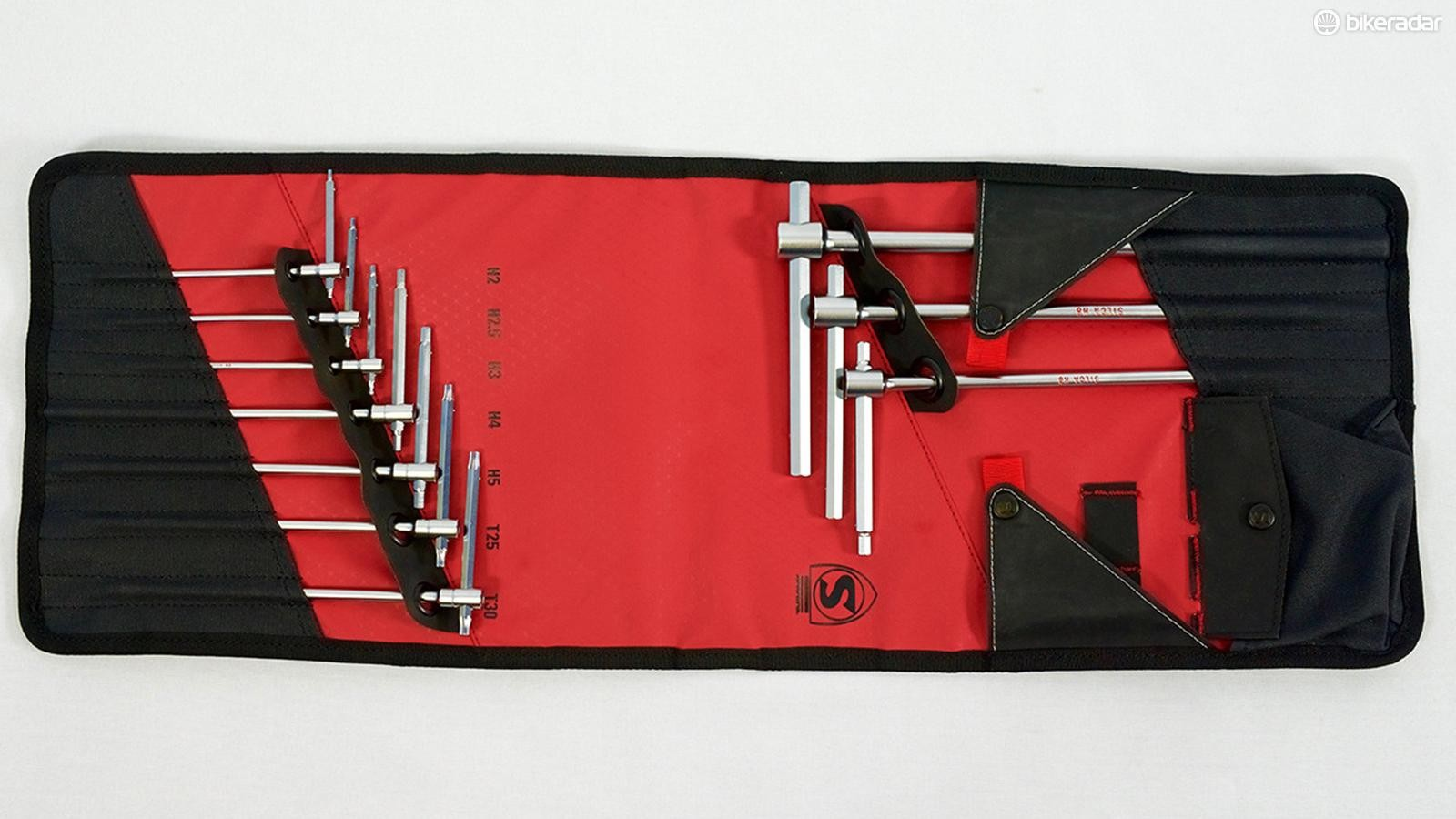 The new T-Handle Folio has 2, 2.5, 3, 4, 5, 6, 8, and 10mm hex wrenches as well as T25 and T30 Torx tools