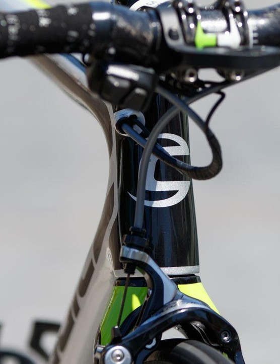 The Cannondale SuperSix Evo features clean internal cable routing