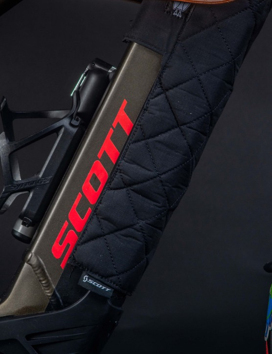 Beneath all the crazy storage lies the Scott Axis Evo alloy frame