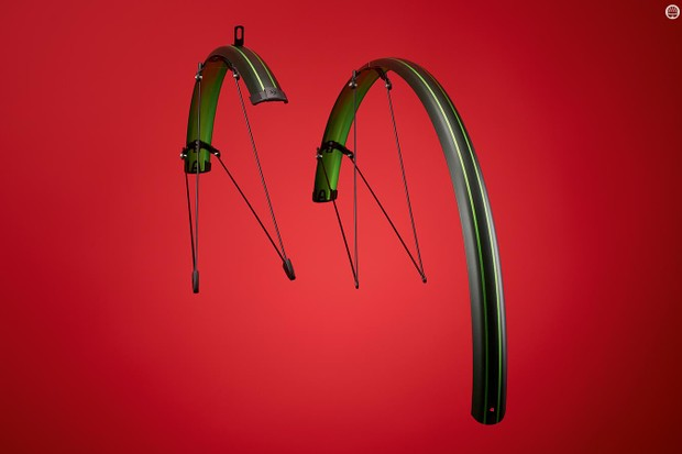 'Secu Clips' hold the front mudguards' steel stays to the fork legs