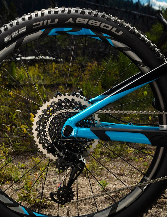 SRAM's impressive X0 Eagle takes care of drivetrain duty