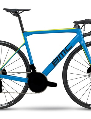 The Teammachine SLR02 Disc One sports a disc version of the mystery groupset