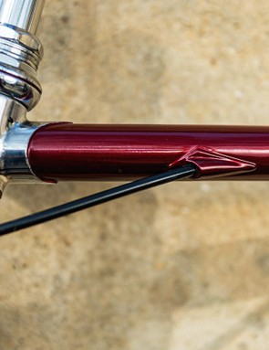 The internal cable routing treatment