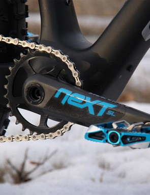 ...powered by a Race Face Next SL crankset with a 28t chainring