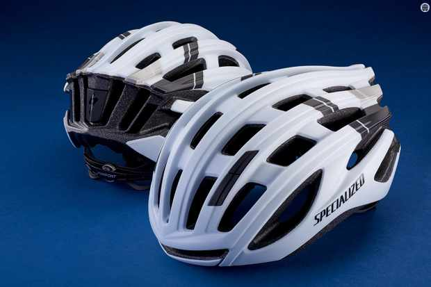 Quality race oriented lid that's user friendly and feels great on