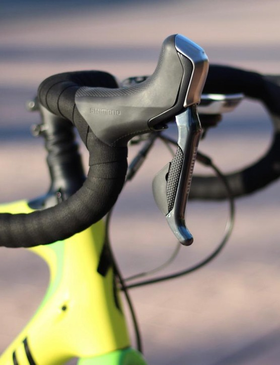 The reach on hydraulic Di2 levers is a little longer (~1cm) than that of standard Di2