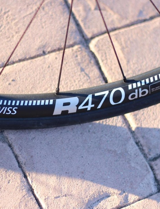 DT's R470 disc wheels have a generous 18mm internal width, which plumps up the tires nicely