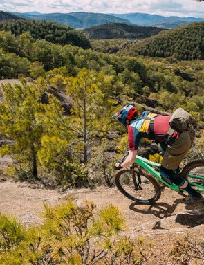 The Stumpjumper strikes a great balance between playful handling and confidence at high speeds