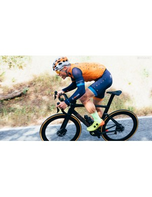 From the bars through the frame, there is very little discernible give in the Specialized S-Works Venge
