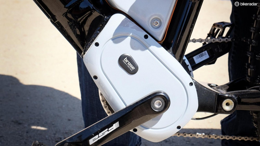 specialized-scrambler-motor-1461093575002-tq1cyvt254lf-1000-90-1a55418