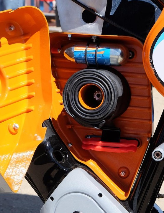 The Scrambler even has a SWAT compartment with a tube, CO2 and tire levers