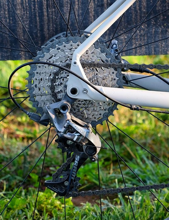 The Sequoia Expert comes with a SRAM Force 1 rear derailleur that shifts across a Shimano 11-42t cassette