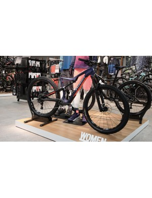The new women's specific Camber Comp Carbon 650b