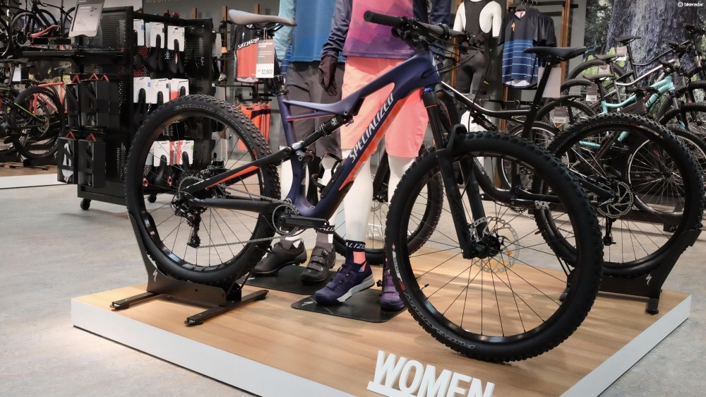 The new women's Specialized Camber Comp Carbon 650b