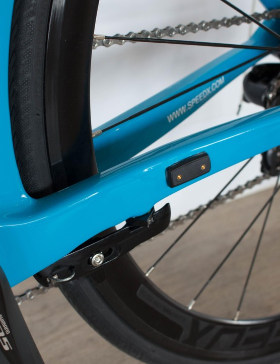 You can see the cadence sensor here on the chainstay, triggered by the pedal